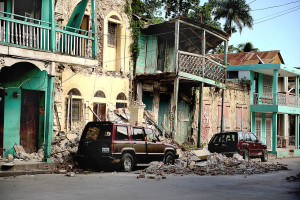 1280px-Earthquake_damage_in_Jacmel_2010-01-17_4